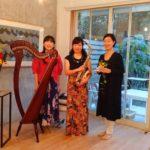 3人小さな花の音楽会