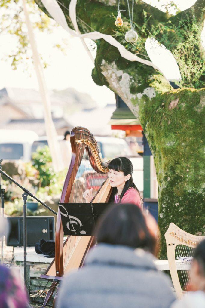 ふくろう秋の音楽会アイリッシュハープ演奏